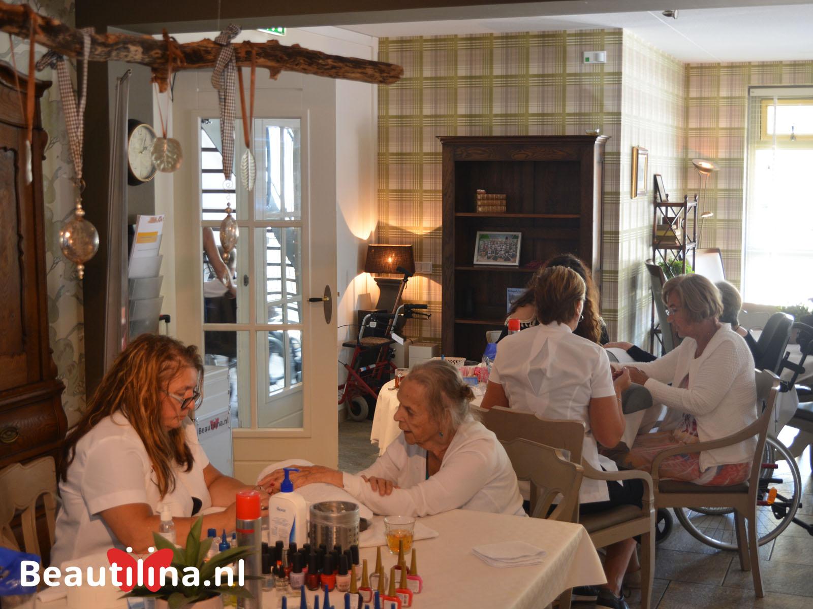 Senioren beautydag bij Jacobahof Zorgvilla (4-7-2018)